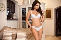 Victoria/B5 moulded cup bra