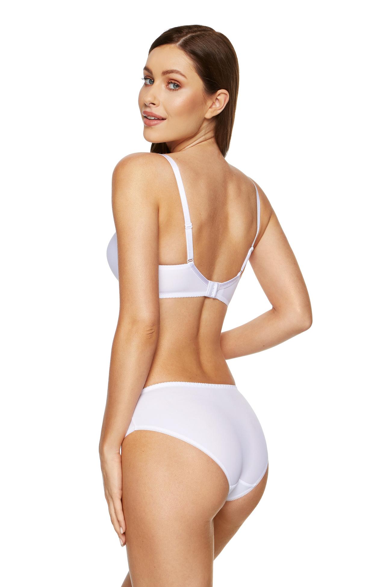 Biustonosz ma pomagać kobiecie poczuć się atrakcyjnie i komfortowo i naprawdę nie ma sensu męczyć się w staniku, w którym czujemy dyskomfort, skoro wystarczy dobrze poszukać, by wśród ogromnej ilości modeli znaleźć idealny dla siebie.